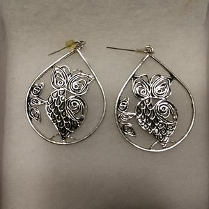 Jewelry - Owl earrings silver and black tone
